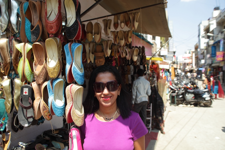 Shobha Narayan-Shoe Stall