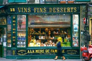 Paris_-_Dessert_wines_and_candy_shop_-_4307[1]--621x414