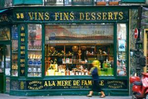 Paris_-_Dessert_wines_and_candy_shop_-_4307[1]--621x414